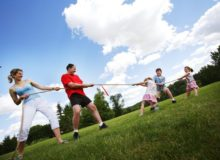 kids-exercising-outdoor